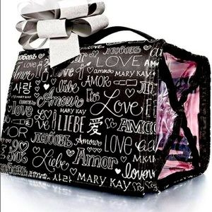 Mary Kay Travel Roll-Up Bag Love Pa…